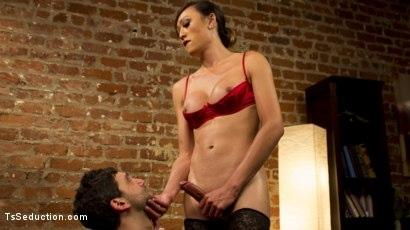Kink.com- Oral Fixations with Venus Lux
