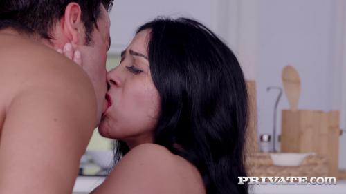 Private 20 07 25 Talia Mint And Julia De Lucia Anal Threesome In The Kitchen XXX 2160p MP4-KTR