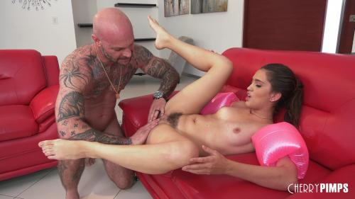 Petite 20 07 27 Brooke Haze Petite Babe Brooke Dives Onto That Cock XXX 2160p MP4-KTR