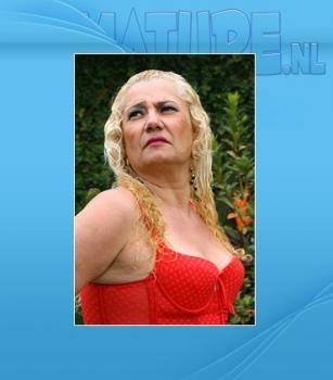 Mature.nl- Vitoria (47) - Mature slut getting pissed on and fucks