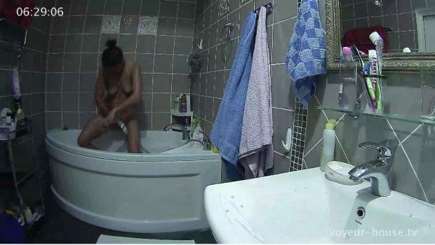 Voyeur-house.tv- After party bath