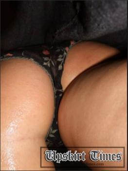 Upskirt-times.com- Ut_0509# Splendid attractive frail in a short black skirt. It wasn_t very comfortable...