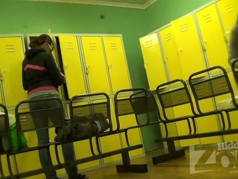 Hidden-Zone.com- Lo1933# Finally_a young beautiful girl appeared in the locker room. We patiently watch her undress.