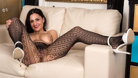 Pantyhosed4u.com- Gallery:Estelle - Net profits!