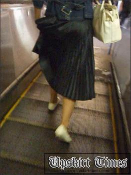 Upskirt-times.com- Ut_0708# It was beautiful girl in a long black skirt! She felt something_but I managed...