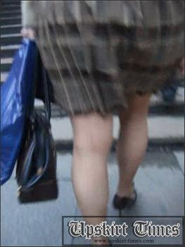 Upskirt-times.com- Ut_0709# Cute fem was in a checked skirt. It was the draught in the passage and she...