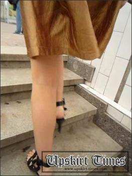 Upskirt-times.com- Ut_0864# A slim girl in a short brown skirt! I took the girl_s upskirt pics at the...