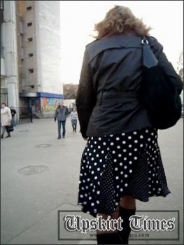 Upskirt-times.com- Ut_0910# Slender girl in a short skirt in polka dots! On the stairs there was a light...