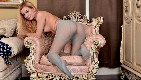 Pantyhosed4u.com- Gallery:Lena Spanks - A way to relax!