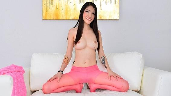 Pantyhosed4u.com- Gallery:Jericha Jem - Pantyhosed audition!
