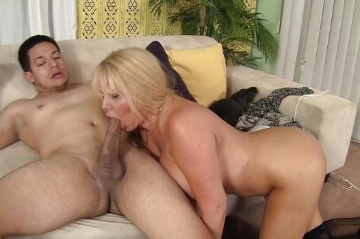 Wankz.com- Kitti Lynxxx Gets Her Plump Pussy Hammered