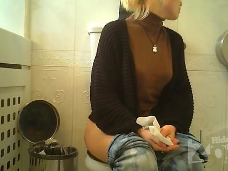 Hidden-Zone.com- Wc2855# Blonde in green panties pee sitting. Nice view from the back of the camera. Round ass and sh