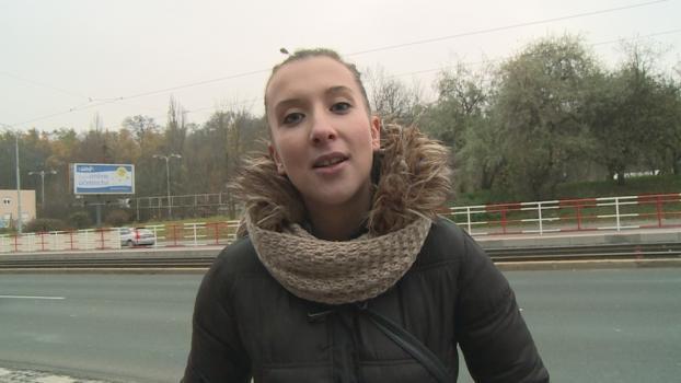 Czechav.com- Fucking behind a bus stop