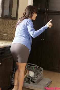 Nubiles-Porn.com- Cupcake Creampie - S4:E4 - Eliza Ibarra Whitney Wright