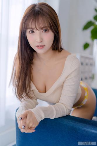 gra_yua-m3_ltd012.jpg