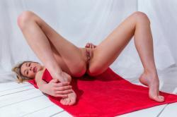evat_redtowl_erotic-art-photography_0003_high.jpg