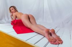 evat_redtowl_erotic-art-photography_0021_high.jpg