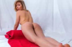 evat_redtowl_erotic-art-photography_0024_high.jpg
