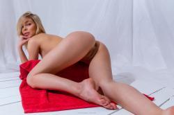 evat_redtowl_erotic-art-photography_0025_high.jpg