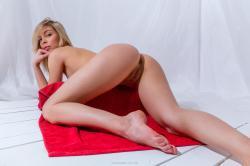 evat_redtowl_erotic-art-photography_0026_high.jpg