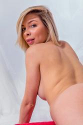 evat_redtowl_erotic-art-photography_0027_high.jpg