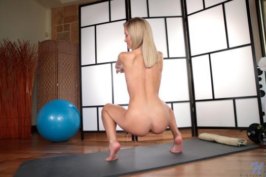 Nubiles.net--Photo- Yoga Cutie