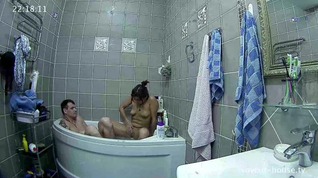 Voyeur-house.tv- Grisha and Maria bath