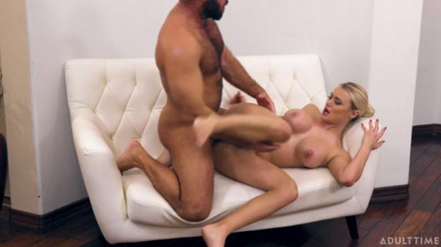 Caught Fapping – Natalia Starr