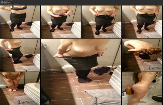 Shower room and locker room videos HD - mi esposa desnuda-1