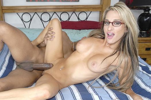 Wankz.com- Kayla Quinn Fucks Her Repairman Dick James