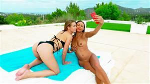 jacquieetmicheltv-20-08-12-cassie-and-alexis-french.jpg