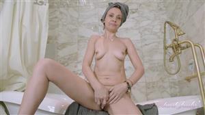 auntjudys-20-08-13-gerda-gets-naughty-in-the-bath.jpg