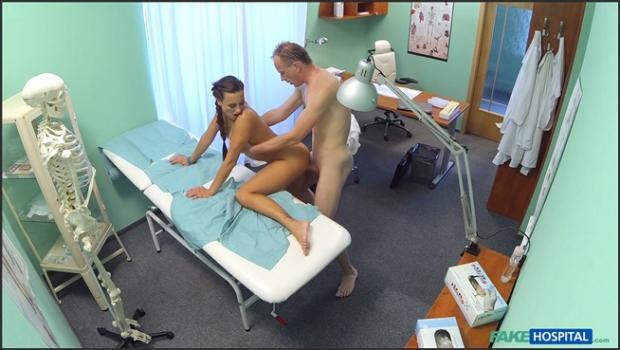 Fakehub.com- Patient gives his hot brunette nurse a cream pie