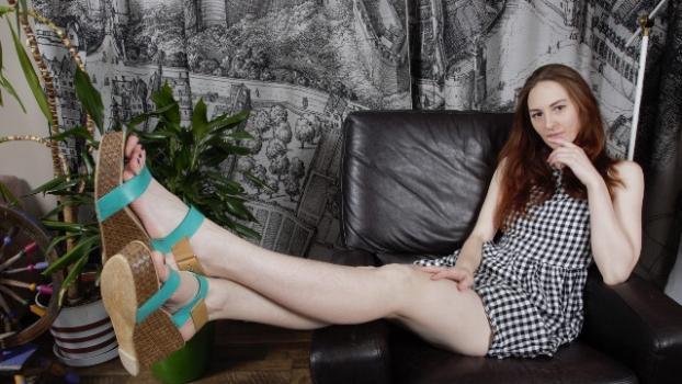 Footfetishdaily.com- Meet Ariadna