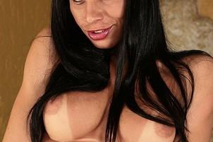 Awesomeinterracial.com- Hot Tranny Works It For Camera
