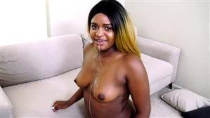jacquieetmicheltv-20-07-13-sarah-23-years-old-french.jpg