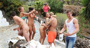 summersinners-20-03-09-food-fight-turns-into-orgy.jpg